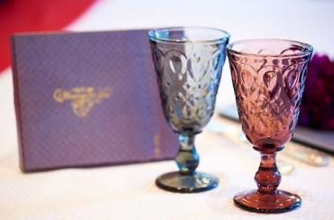 ラ・ロシェール〈リヨネー〉ペアワイングラス+キラキラHAPPYBOX電報ショコラ