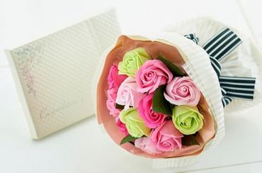 ダズンローズブーケ(ピンクミックス)+キラキラHAPPYBOX電報プレシャスホワイト