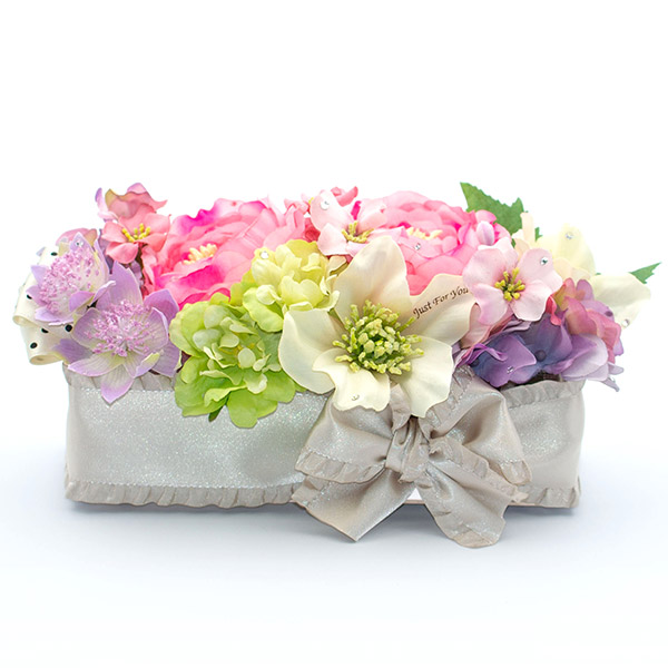 お花はバッグから取り出してそのまま飾ることができます