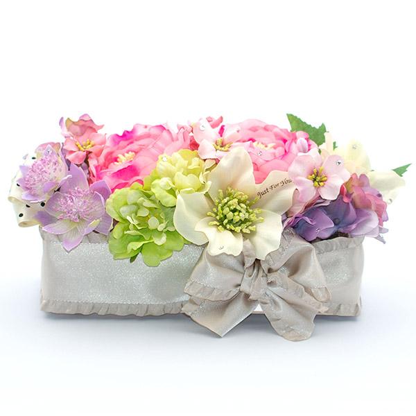 お花はバッグから取り出してそのまま飾ることができます。