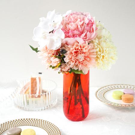 花瓶付きなので、すぐに飾ることができます