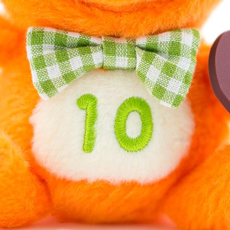 お腹の「10」は、「10月」の記念として