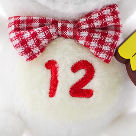 お腹の「12」は「12月」を表しています