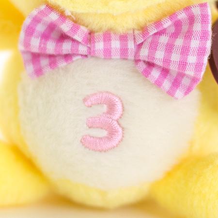 お腹の「3」は「3月」の記念に。