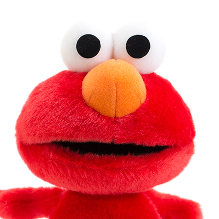 真っ赤なボディーにオレンジの大きな鼻