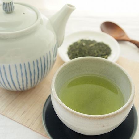 狭山の深むし茶は、味が濃厚で甘みのあるお茶です