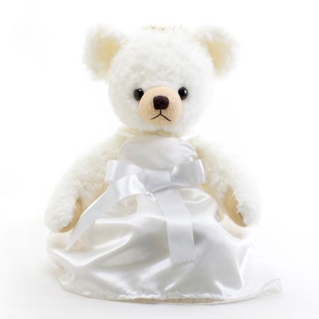 大きなリボンが印象的な純白のドレス