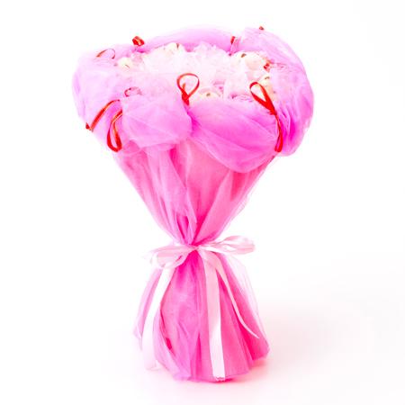 ピンク色で華やかなブーケ