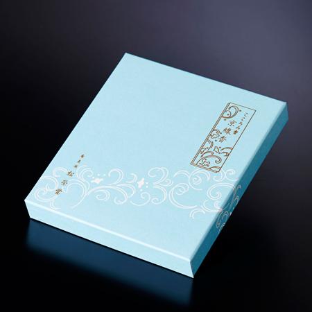 電報台紙のそよかぜと同じ爽やかな青色の外装箱