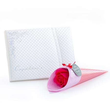 【母の日】ハンカチブーケ(ピンク)+キラキラHAPPYBOX電報プレシャスホワイト