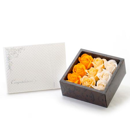 フレグランスローズ(オレンジ)+キラキラHAPPYBOX電報プレシャスホワイト