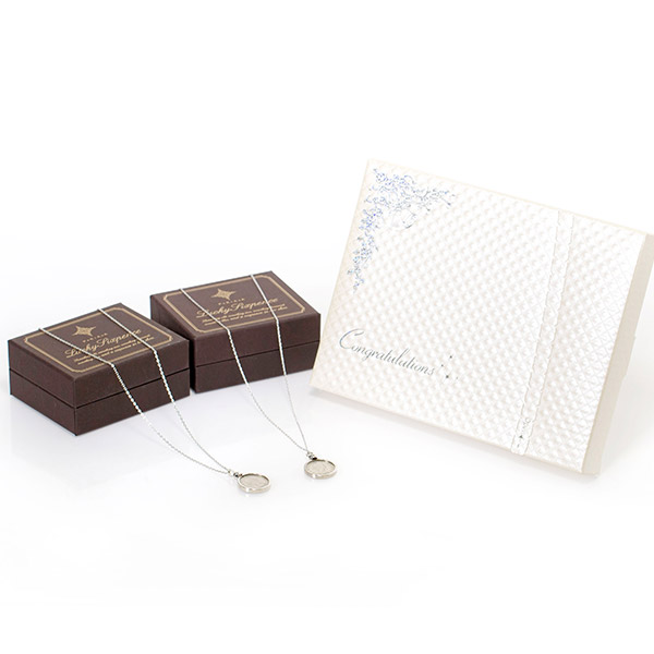 〈PORTADA〉シックスペンスコイン ネックレス ペア+キラキラHAPPYBOX電報プレシャスホワイト