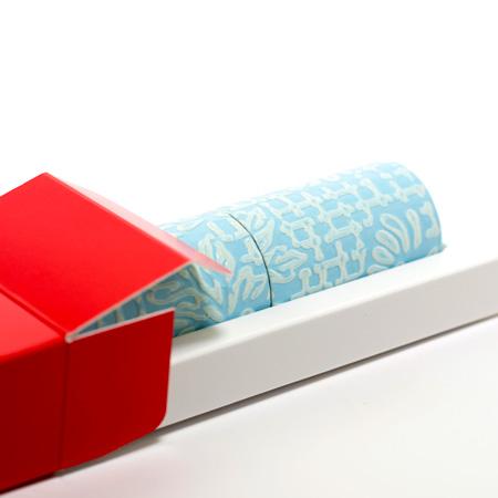 丸筒電報 パステルブルーと赤い筒箱
