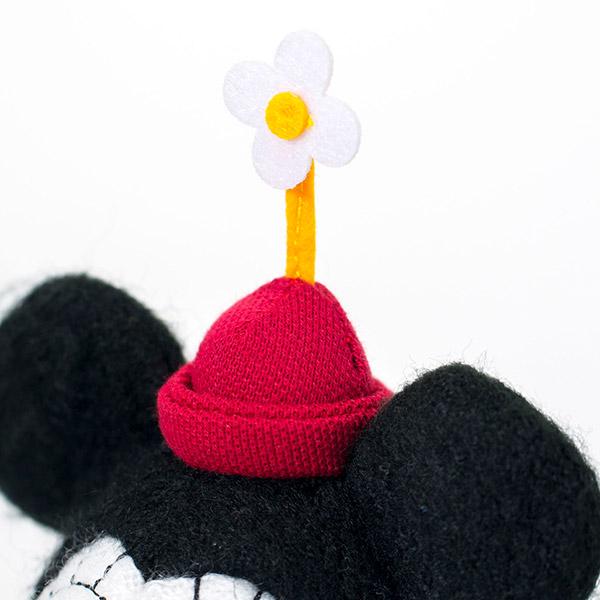 帽子の上のお花がかわいいポイント