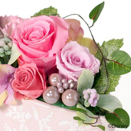 ピンク系のローズでまとめてやさしい雰囲気に。