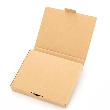 裏面のフラップを開けてメッセージの入った封筒を取り出します。