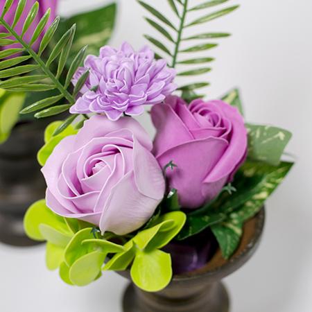 お手持ちの花器に合わせやすいブーケタイプ。