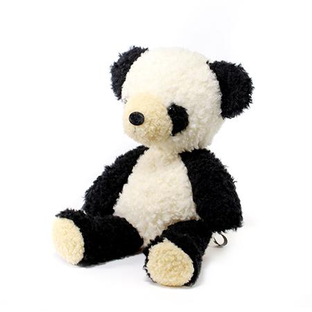 本物のパンダの愛らしさをそのままに。