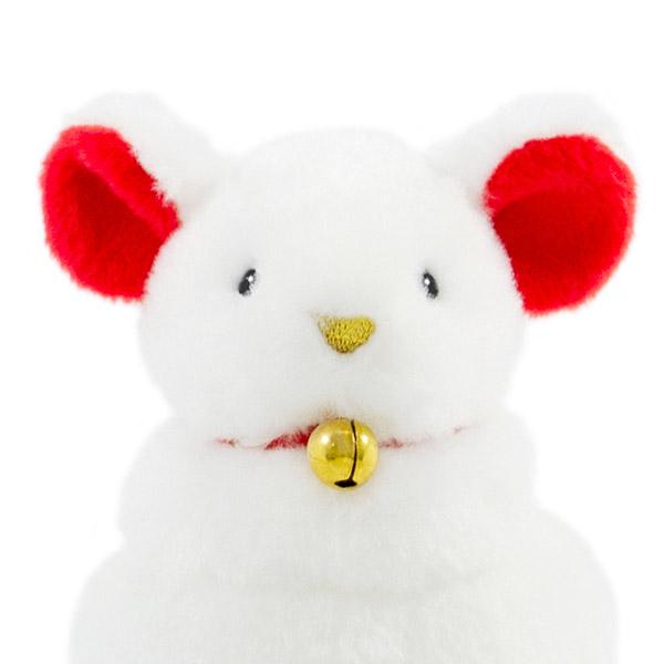 赤いお耳に、ゴールドの刺繍のお鼻。